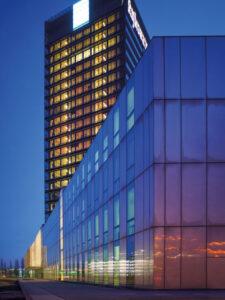 Bürogebäude Nachtaufnahme